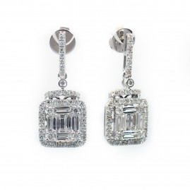 This is a picture of Baguette Diamond Earrings with Halo