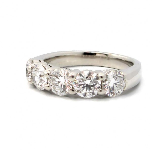This is a picture of a 5 Stone Shared Prong Diamond Ring