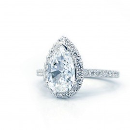 Pear Shaped Diamond with Halo and Diamond Band