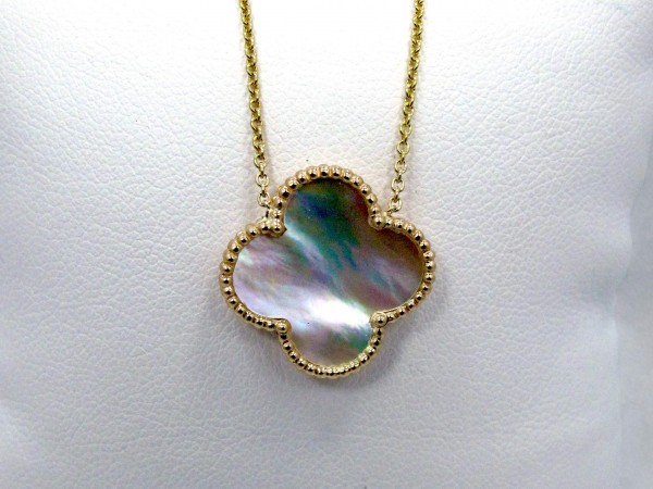 This is a picture of a Mother of Pearl Clover Pendant in 14K Yellow Gold