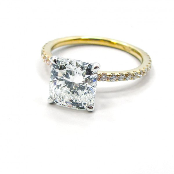 Cushion Diamond Engagement Ring in Yellow Gold